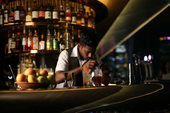 smoke-and-mirrors-national-gallery-chief-bartender-yugnes-susela