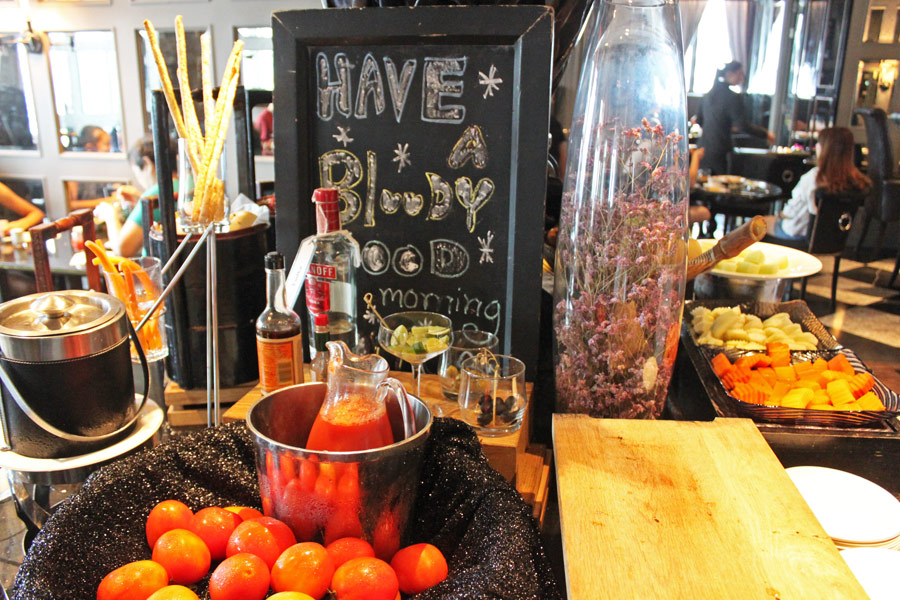 hotel-muse-m-gallery-langsuan-bangkok-babette-breakfast-bloody-mary-counter