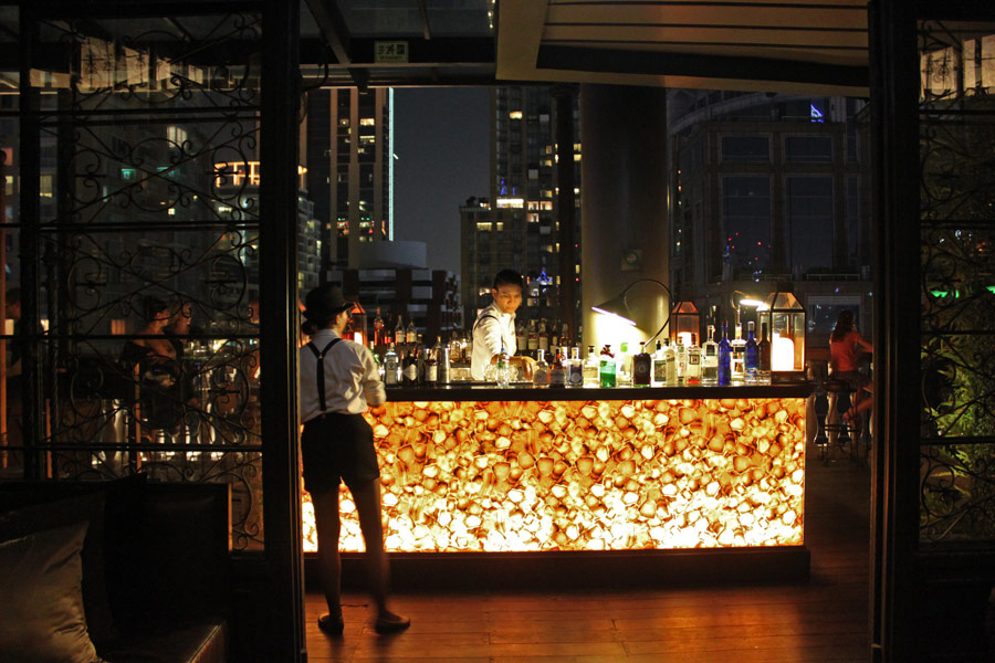 hotel-muse-m-gallery-langsuan-bangkok-speakeasy-rooftop-bar