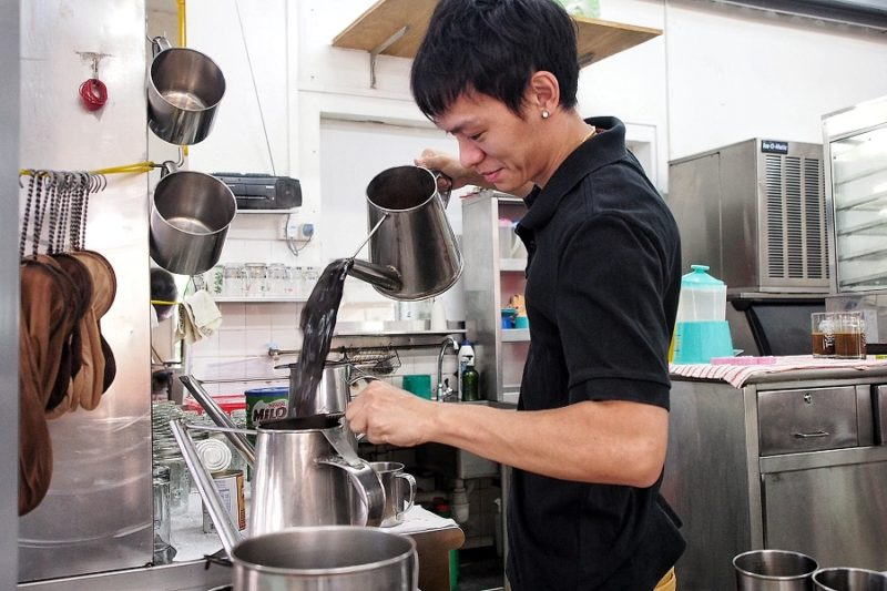 is-traditional-nanyang-kopi-going-to survive-the-coffee-revolution-kopi-making.jpg