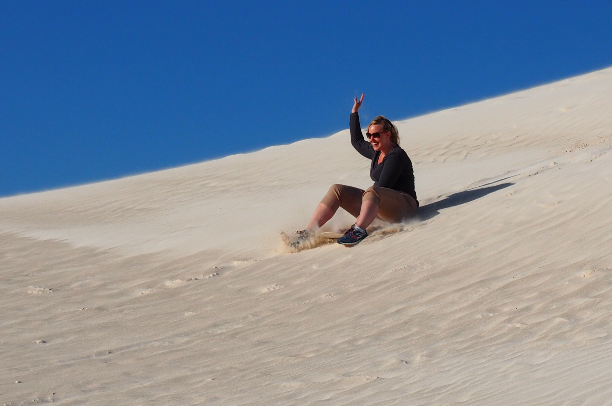 9-amazing-things-to-do-in-perth-before-the-year-ends-lancelin-sand-dunes.jpg