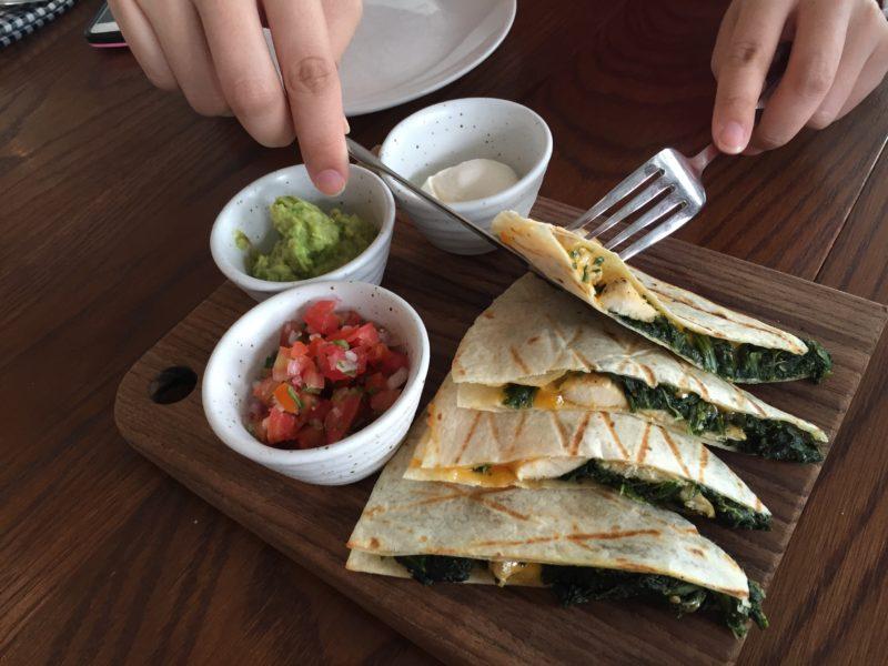 brunch-expert-intimate-personal-brunch-experience-roast-bangkok-quesadilla