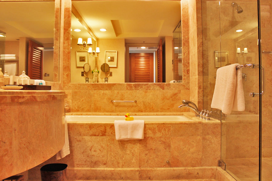 conrad-centennial-singapore-millenia-walk-hotels-in-central-singapore-executive-club-floor-room-bathroom