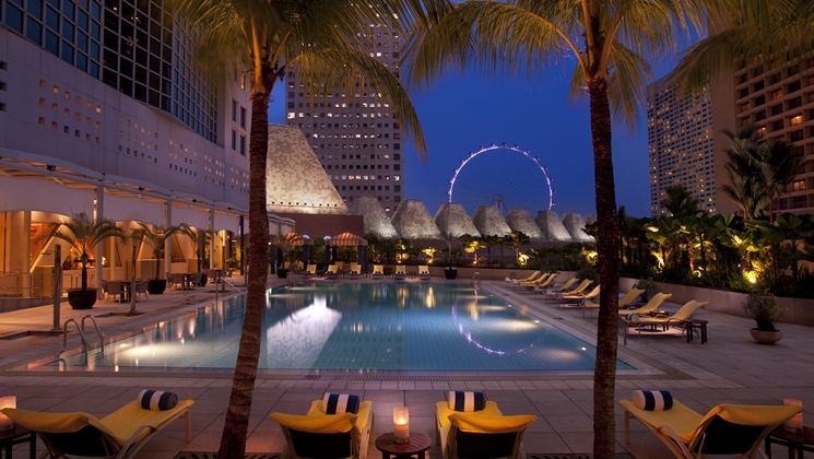 conrad-centennial-singapore-millenia-walk-hotels-in-central-singapore-pool-view