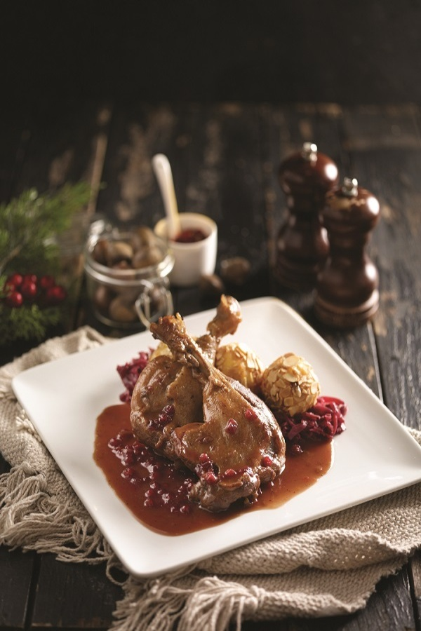 Braised Duck and Cranberry Sauce