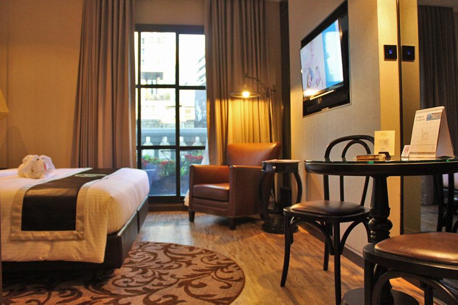 metropole-bangkok-thong-lor-room-interior-courtyard