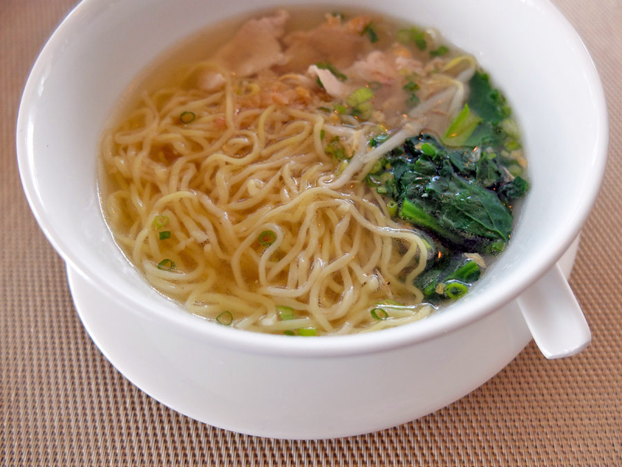 vie-hotel-bangkok-mgallery-by-sofitel-breakfast-noodle-soup