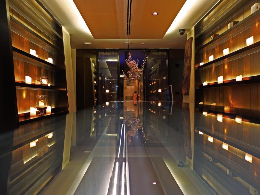 vie-hotel-bangkok-mgallery-by-sofitel-vie-spa-entrace