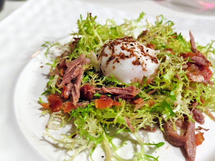 vie-hotel-bangkok-mgallery-by-sofitel-la-vie-french-restaurant-duck-confit-salad