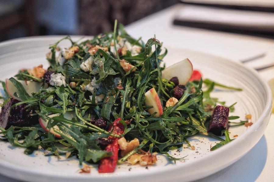metis-bali-get-best-french-food-bali-salad