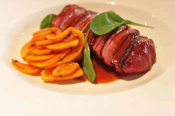 restaurants-in-bangkok-seven-spoons-smoked-duck-star-anise-preview