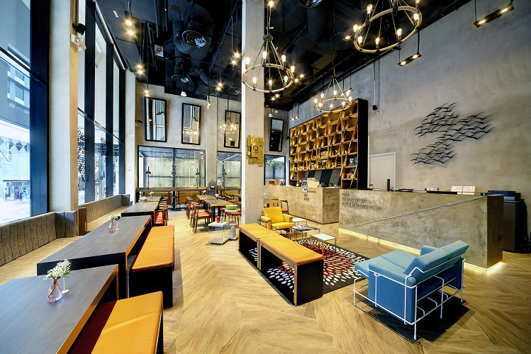 hotel-yan-bringing-industrial-chic-design-to-boutique-hotels-in-tyrwhitt-road-lobby