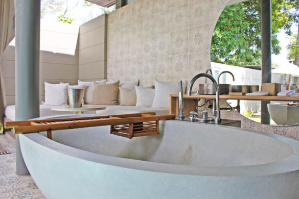 hotels-in-phuket-sala-phuket-mai-khao-beach-bath-tub