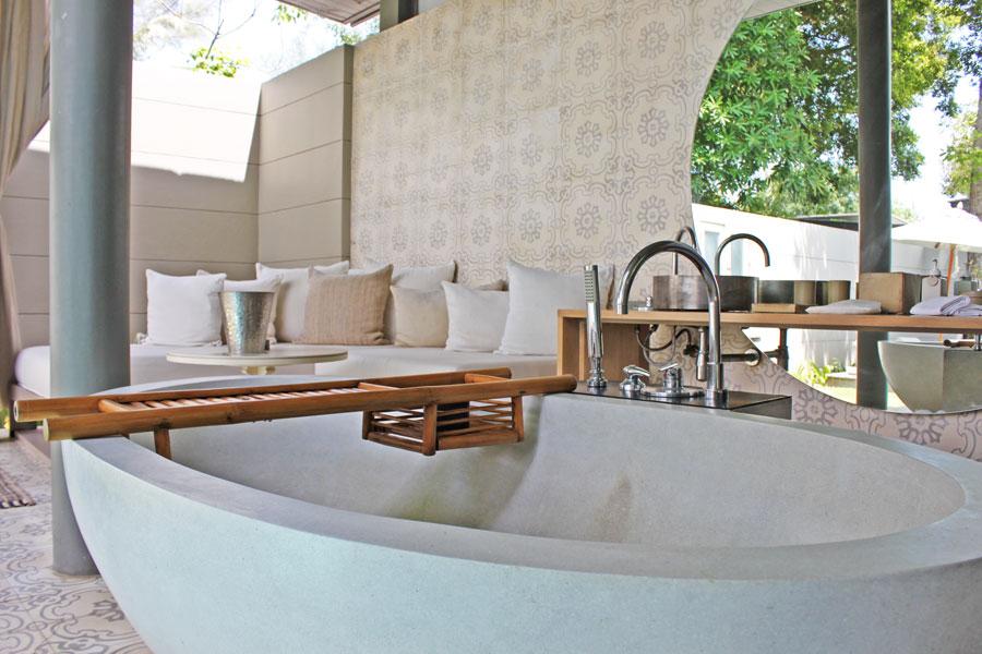hotels-in-phuket-sala-phuket-mai-khao-beach-bath-tub